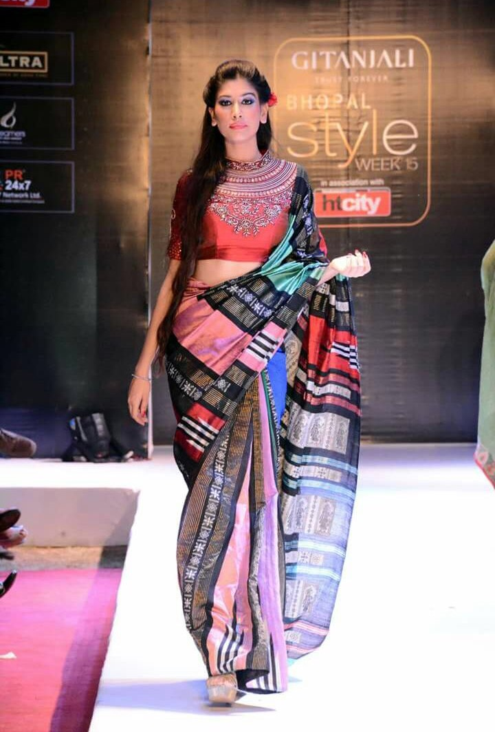 Avni Mishra walking on the ramp at a fashion show held at Sayaaji, Bhopal