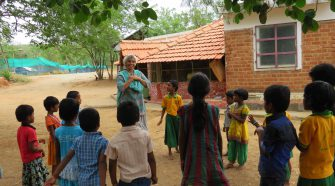 Meenakshi Umesh teaching children at Puvidham
