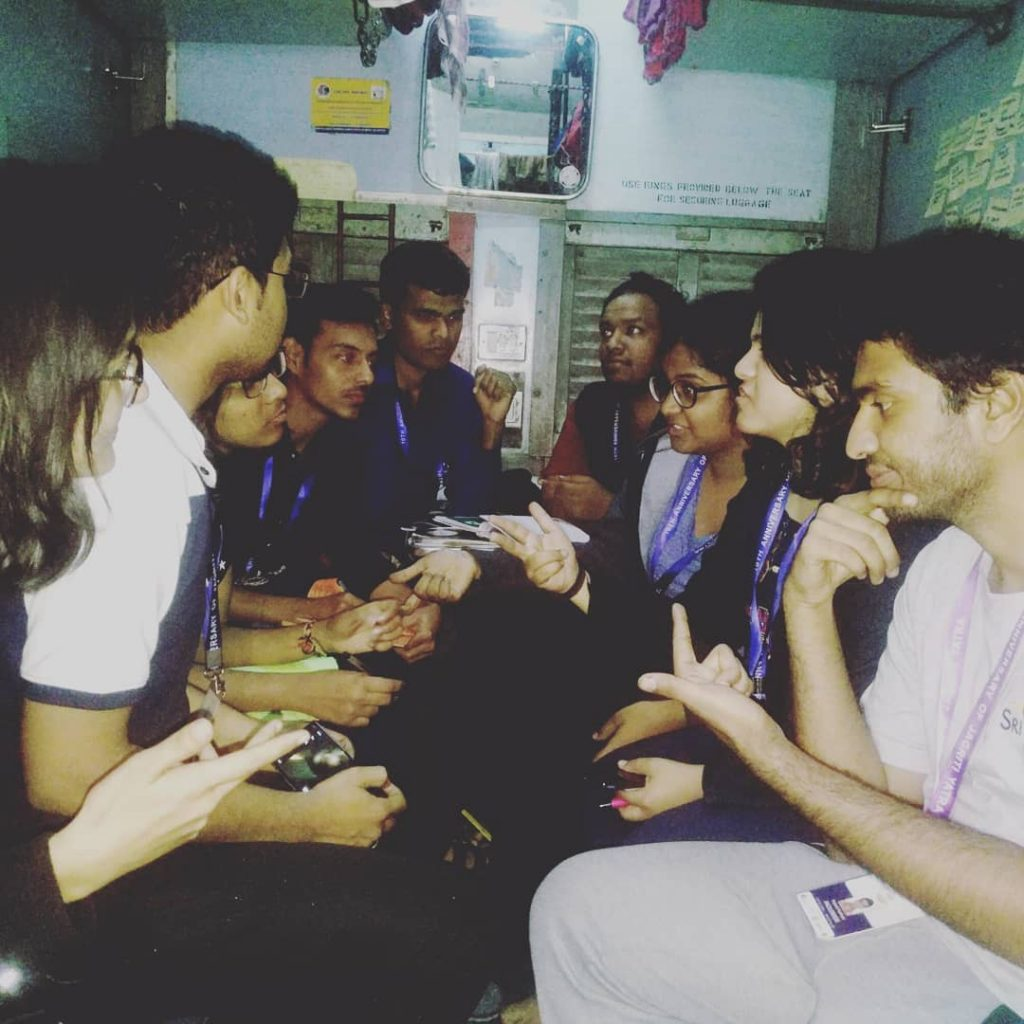 Regular day on the Jagriti Yatra train where debates and discussions are ongoing | Image Courtesy : Leena Radjibaly