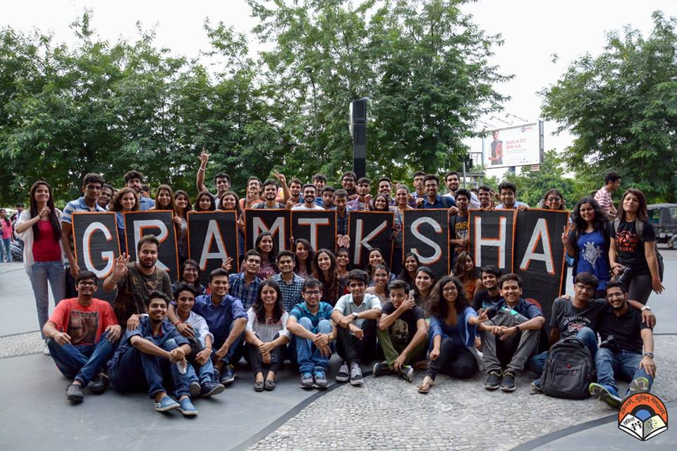 Volunteers of Gramiksha | Image courtesy: Gramiksha