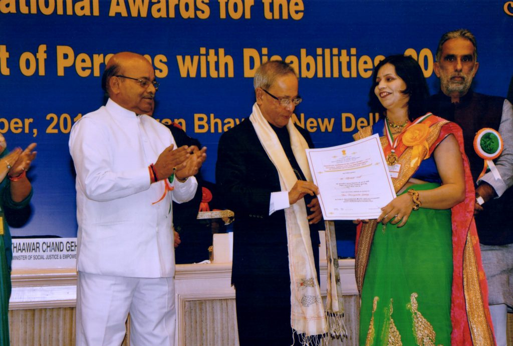 Mrs.Devyani Garg being awarded by President Pranab Mukherjee