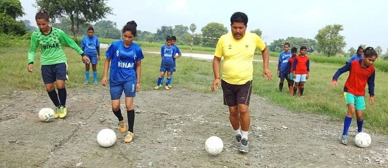 This Government teacher from Bihar is transforming young girls of his village into world-class athletes