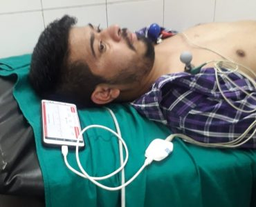 After losing a friend to a heart attack, a team of Dehradun Engineering graduates made an extremely-user friendly ECG device 'Spandan'.